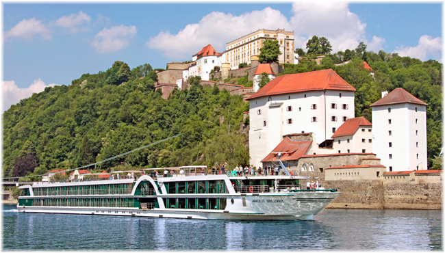 Amadeus Brilliant at Passau on the Danube