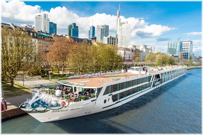 Amadeus Silver III at Frankfurt (Lüftner Cruises)