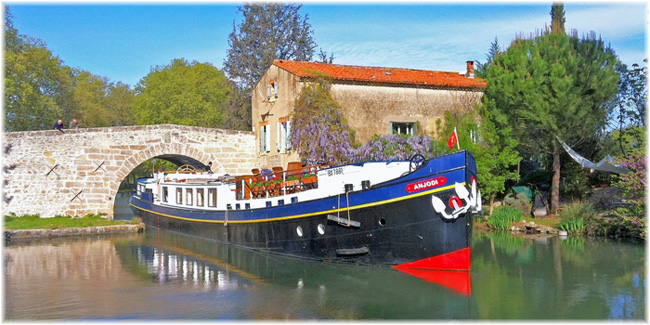 Hotel Barge Anjodi - European Waterways
