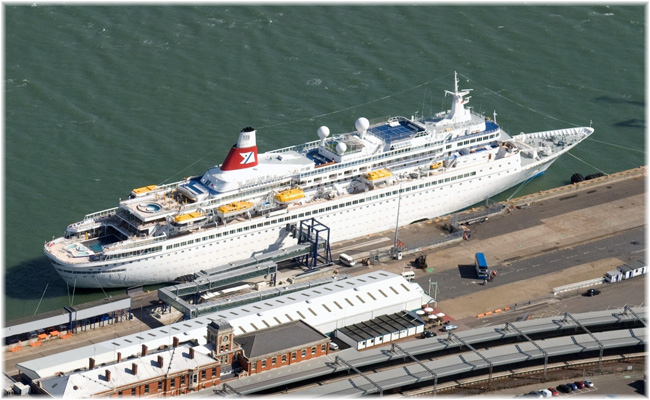 Fred. Olsen Cruise Lines' 'Black Watch' at Harwich (Click to enlarge)