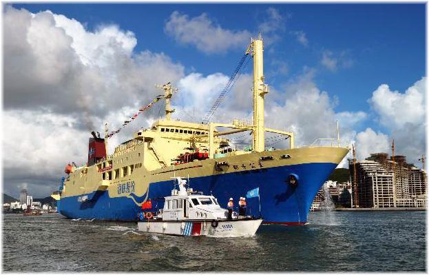 The 200-berth Coconut Princess leaving Sanya