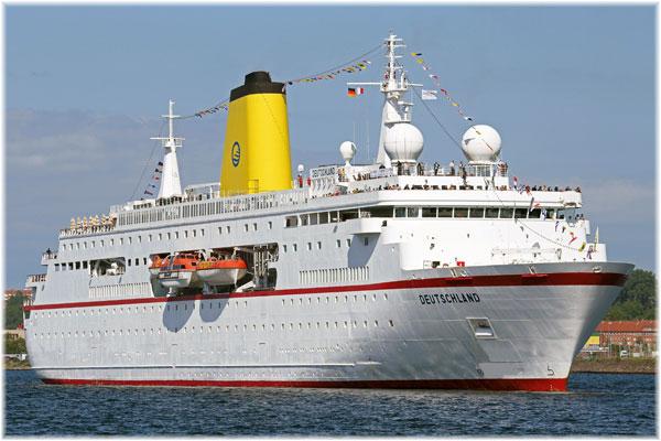 The Deutschland  in action for Plantours Kreuzfahrten. In September 2015 she will be renamed World Odyssey for Semester at Sea