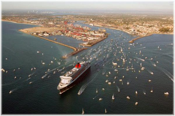 Aerial view of the Queen Mary 2 maiden visit, March 2010 leaving port (Courtesy Fremantle Ports)