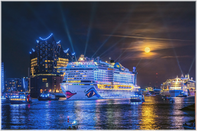 Hamburg Cruise Days 2019: spectacular parade of cruise ships in the Port of Hamburg (Photo credit: Jan Schugardt/Hamburg Cruise Days)
