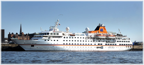 Hapag-Lloyd Cruises' Hanseatic in Hamburg (Click to enlarge)