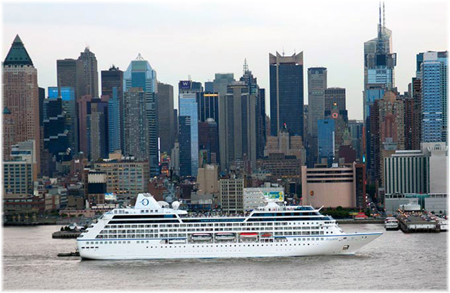 Oceania Cruises' Insignia in Manhattan (Click to enlarge)