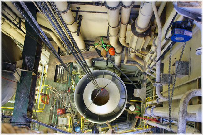 Internal installation of gas scrubber (© Goltens)