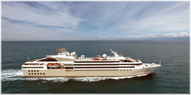 Le Lyrial (Courtesy Philip Plisson, Ponant)