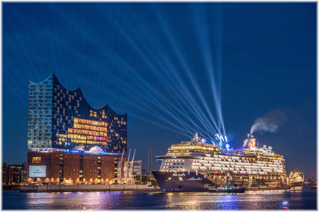 Elbphilharmonie Hamburg launches  Mein Schiff 6 (Photo Hamburg Marketing Christian Spahrbier)