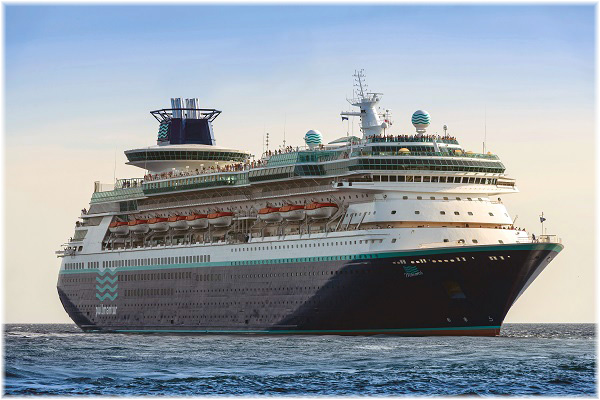 The Monarch - Pulmmantur Cruceros (Courtesy Pullmantur)