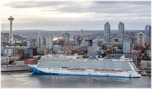 Norwegian Bliss at Seattle, September 2018 (Credit Andrea Sugranes x NCL)