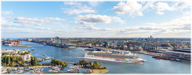 Norwegian Pearl in Amsterdam, June 2019 (Courtesy NCL)