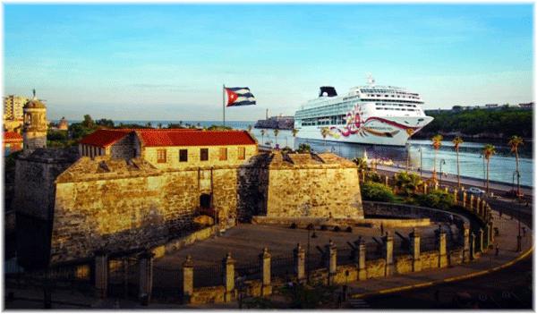 Norwegian Sun entering Havana, Cuba