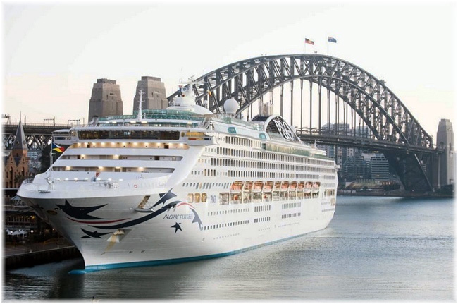 The Pacific Explorer in Sydney (Photo courtesy P&O Cruises Australia)