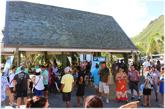 The covered area of the port of Papetoai on the island of Moorea that includes arts and crafts exhibits, activities, and information on shore excursions and transportation