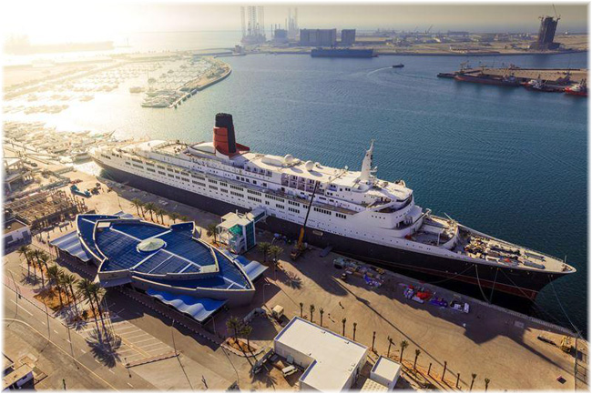 Queen Elizabeth 2 at Dubai