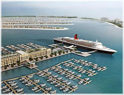 QE2 at the Palm Jumeirah in Dubai