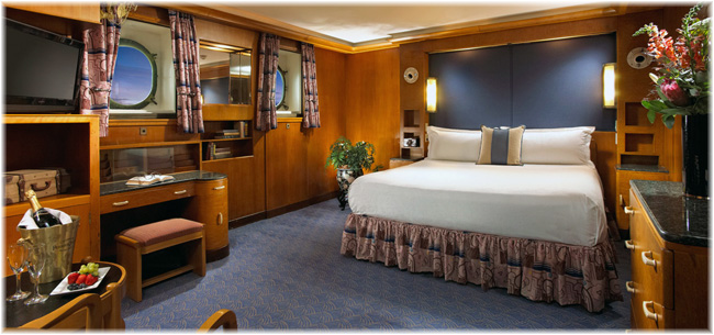 Queen Mary: Hotel Stateroom (Courtesy Queen Mary Hotel) (Click to enlarge)