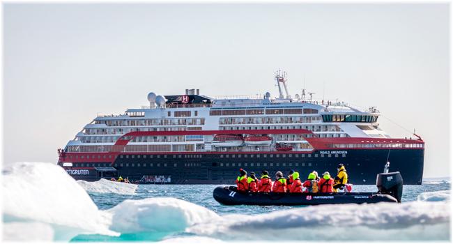 Roald Amundsen - Hurtigruten