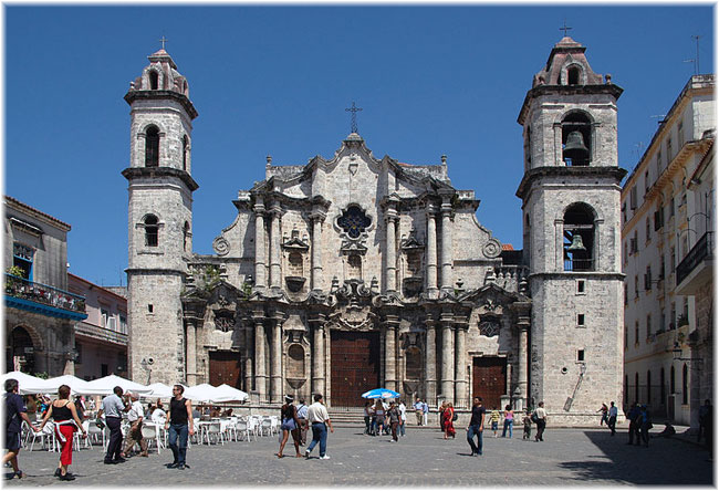 Cuba, Havana: Plaza de la Catedral de San Cristobal (Photo credit Gorupdebesanez at commons.wikimedia.org)