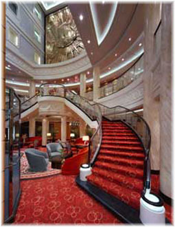 Queen Mary 2 - The Atrium
