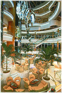 Vision of the Seas - Centrum